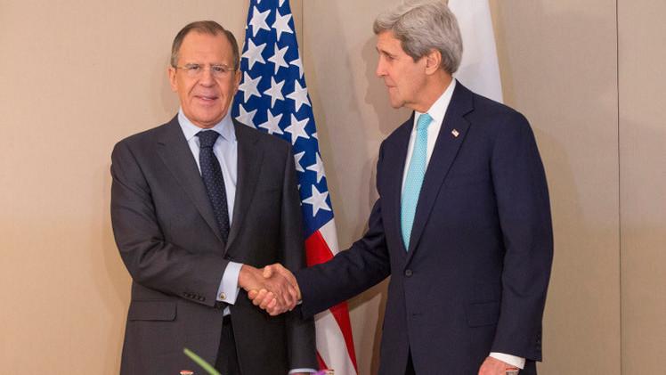 لافروف: طلبت من كيري التأثير على كييف لتنفيذ اتفاقات مينسك