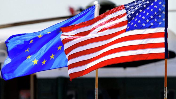 مصرفي روسي: قرار تمديد العقوبات الأمريكية لم يكن مفاجئا لروسيا