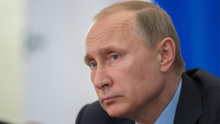 بوتين: الميزانية المعدلة وضعت على أساس سعر 50 دولار لبرميل النفط