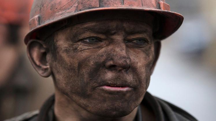 33 شخصا حصيلة ضحايا حادث المنجم بدونيتسك وحداد عام بأوكرانيا
