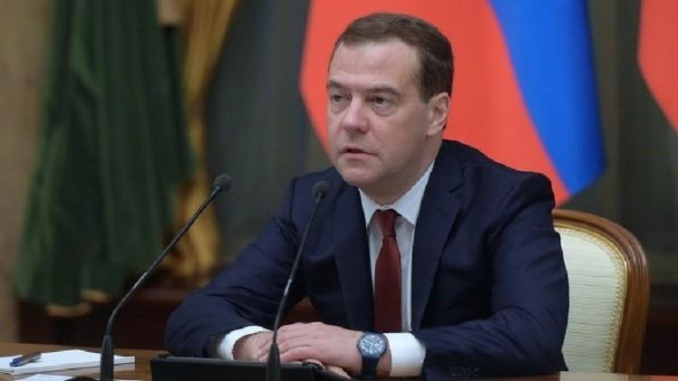 ميدفيدف: الميزانية يجب أن تلبي خطة الحكومة لمكافحة الأزمة الاقتصادية