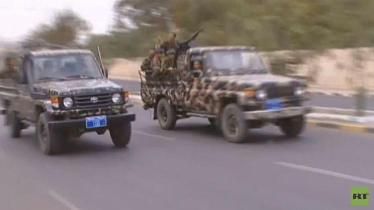 مقتل مسؤول أمني في تعز واشتباكات بين الجيش والقاعدة في أبين