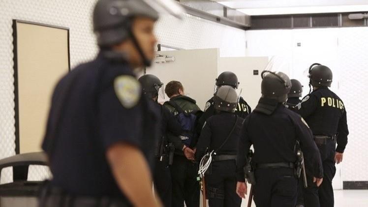 الشرطة الأمريكية تقتل مواطنا أسمر اللون