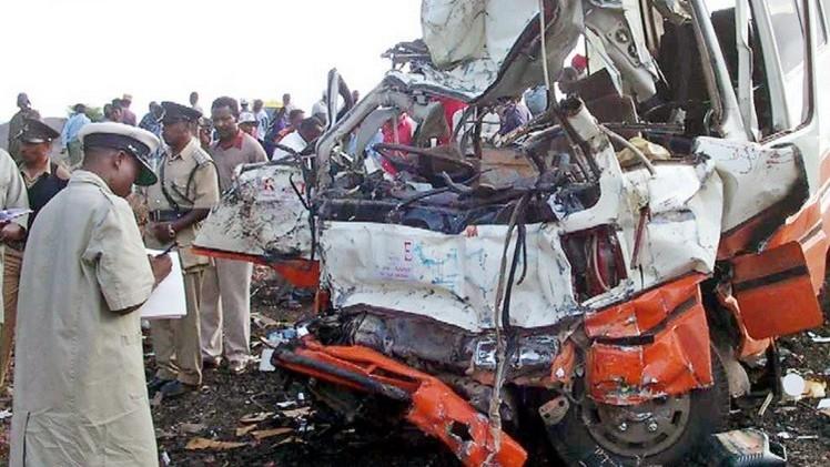 حادث مروري يتسبب بمقتل أكثر من 40 شخصا في تنزانيا