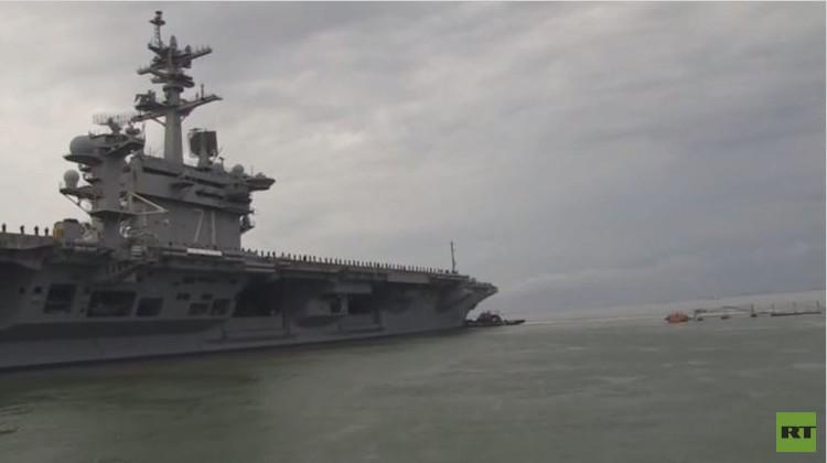 بالفيديو.. حاملة الطائرات الأمريكية