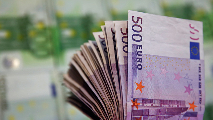 اليورو يرتد عن مستوى التعادل مع الدولار
