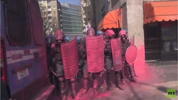 بالفيديو.. اشتباكات بين الشرطة ومحتجين في إيطاليا