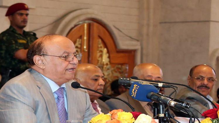 اليمن.. هادي يقرر إعادة الضباط المفصولين في عهد صالح وتجنيد 20 ألف جنوبي