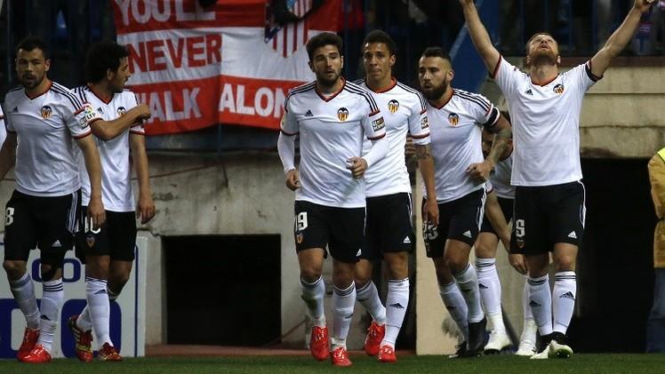 فالنسيا يهزم ديبورتيفو ويتجاوز اتلتيكو مدريد