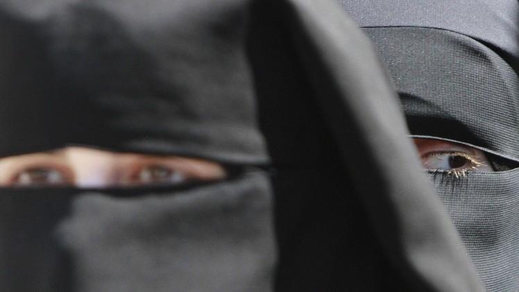 القضاء الألماني يبيح ارتداء الحجاب في المدارس