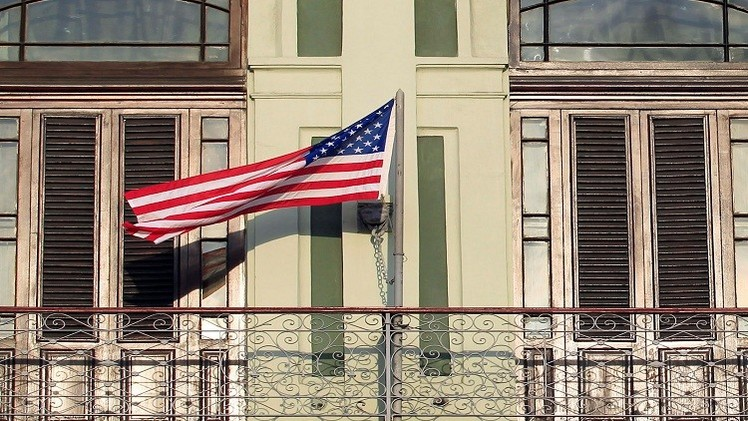 واشنطن تغلق سفارتها بالرياض وتتوقع استهداف الأجانب