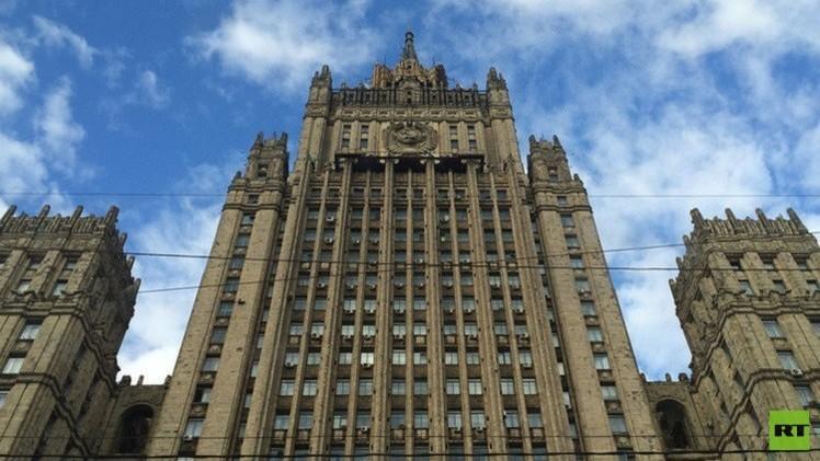 موسكو: على برلين وباريس مطالبة كييف الالتزام الصارم باتفاقات مينسك