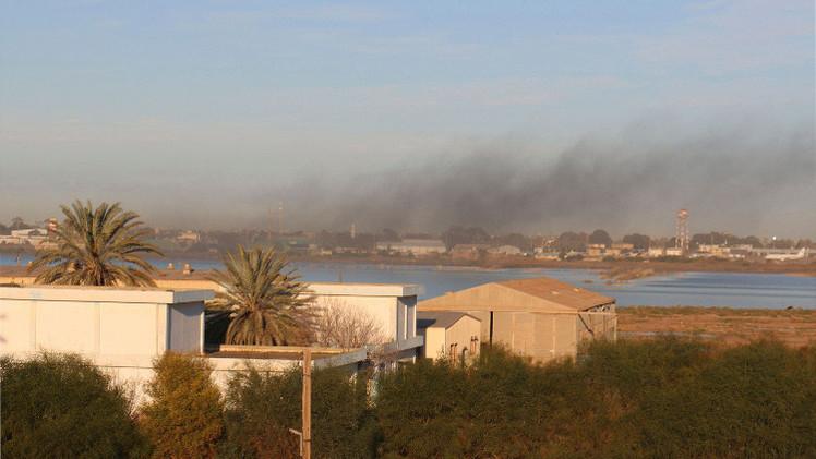 غارة جوية تستهدف المدرج الرئيسي لمطار معيتيقة قرب طرابلس