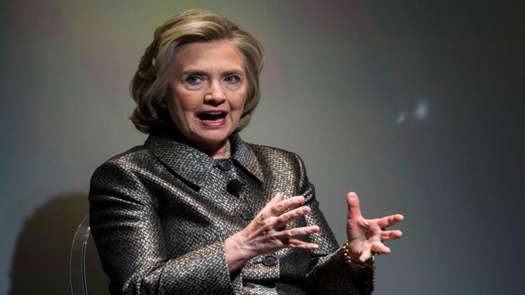 تراجع دعم كلينتون للرئاسة لاستخدامها بريدها في المراسلات الحكومية