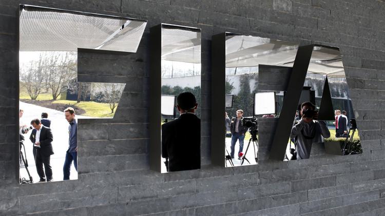 الفيفا سيدفع 418 مليون دولار تعويضات للأندية للمشاركة في مونديالي روسيا وقطر