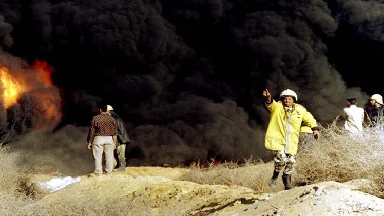 حريق هائل في منصة نفطية بخليج السويس