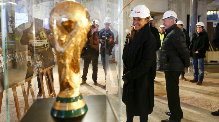 اليوفا يطالب بمقعد إضافي لأوروبا في كأس العالم ويغير نظام التأهل