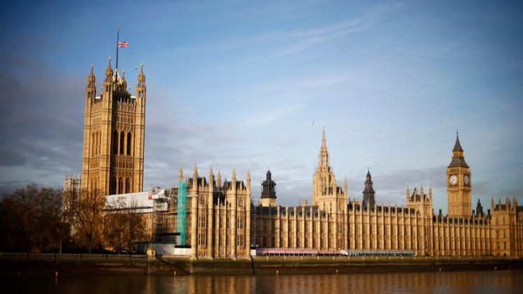 نواب بريطانيون يدعون لإعادة بناء قدرات بلادهم العسكرية
