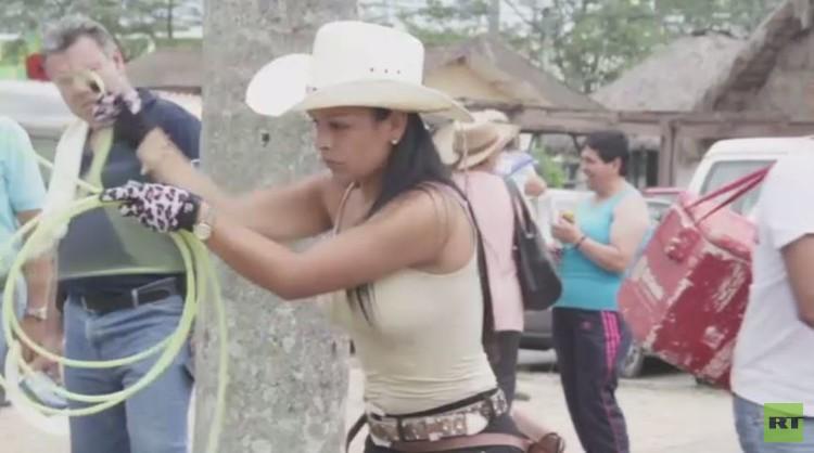 بالفيديو: بطولة رعاة البقر للإناث لعام 2015
