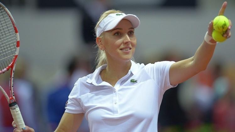 الروسية فيسنينا تبلغ ثاني أدوار بطولة ميامي الأمريكية