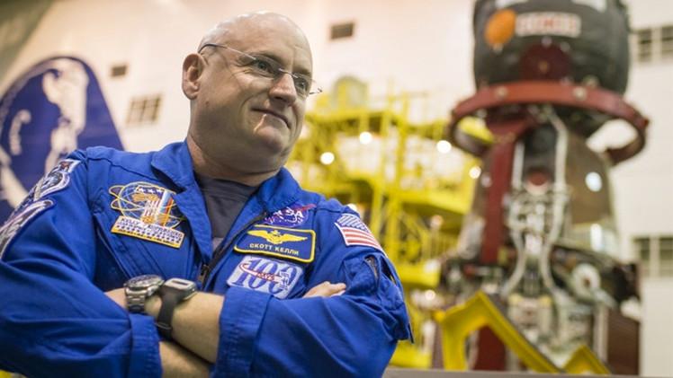 رائد وكالة ناسا