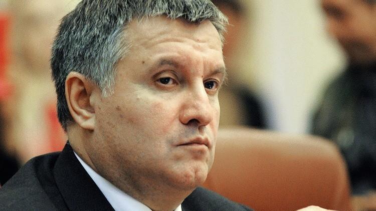 وزير الداخلية الأوكراني يأسف على عدم ارتكاب مجزرة في دونباس