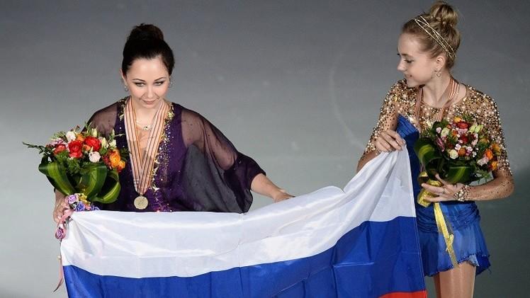 فيديو.. الروسية يليزافيتا بطلة للعالم للتزحلق على الجليد