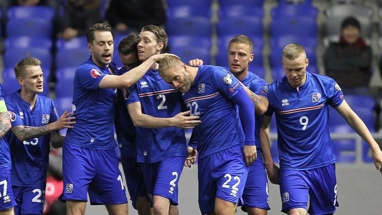 ايسلندا تواصل زحفها نحو