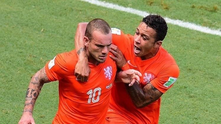 شنايدر ينقذ هولندا من الهزيمة أمام تركيا في تصفيات
