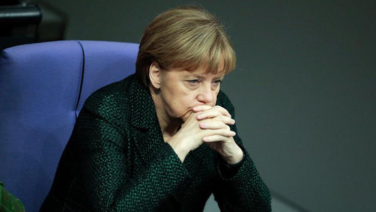 وسائل إعلام: ميركل قلقة من انقسام الاتحاد الأوروبي جراء تباين المواقف حول روسيا
