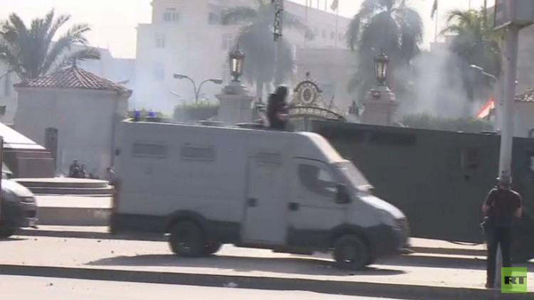 قاتل شيماء الصباغ.. ضابط من الشرطة