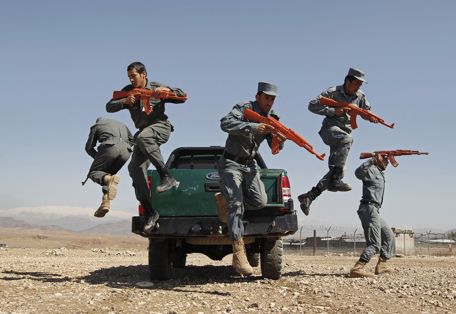 كيري: المحادثات مع غني أثبتت أن الصداقة مع أفغانستان دائمة