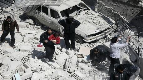آثار دمار إثر القصف