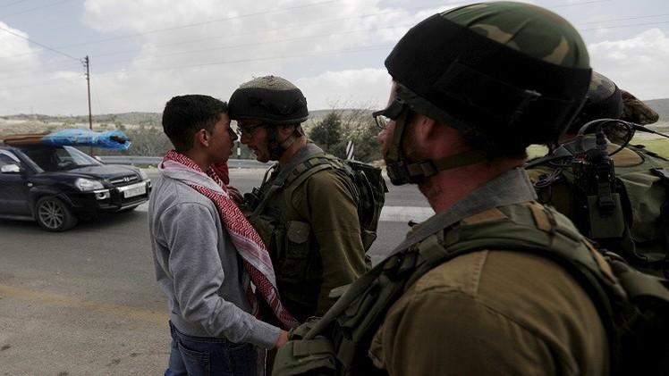 إصابة شاب واعتقالات في مواجهات مع الجيش الإسرائيلي بمخيم جنين
