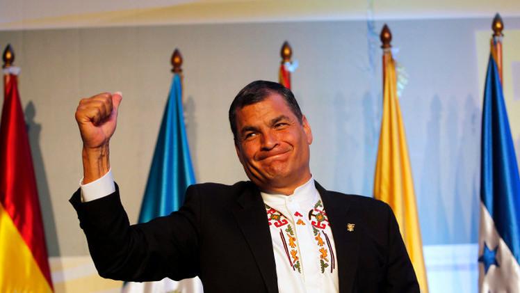 رئيس الإكوادور يعفو عن شرطي حاول اغتياله