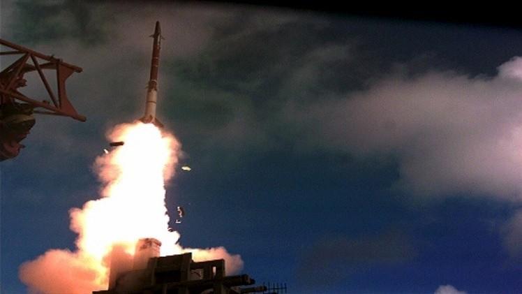 إسرائيل تختبر صاروخا جديدا (فيديو)