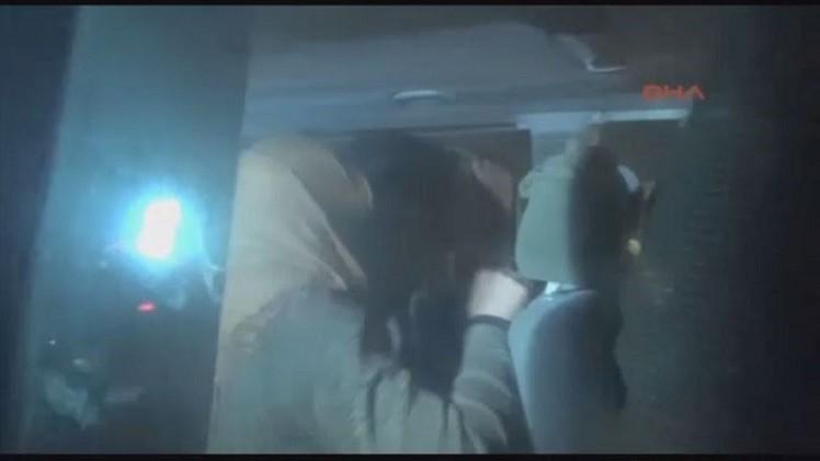 اعتقال 9 بريطانيين متوجهين إلى سوريا في جنوب تركيا (فيديو)