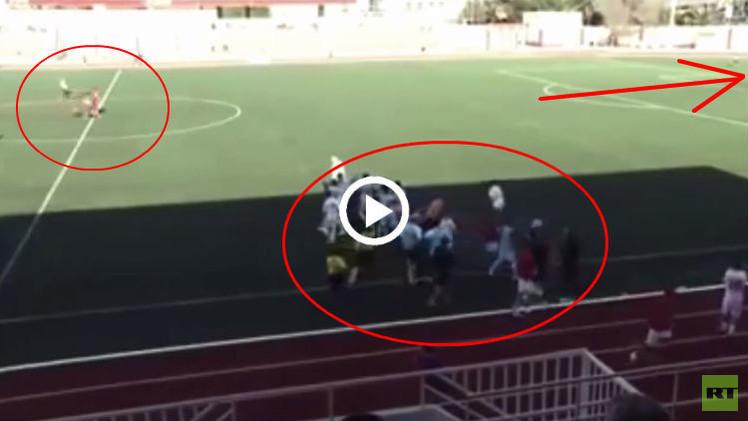 (فيديو) ... لاعبو جبل طارق يستغلون احتفال الخصم ويسجلون في المرمى الخالي