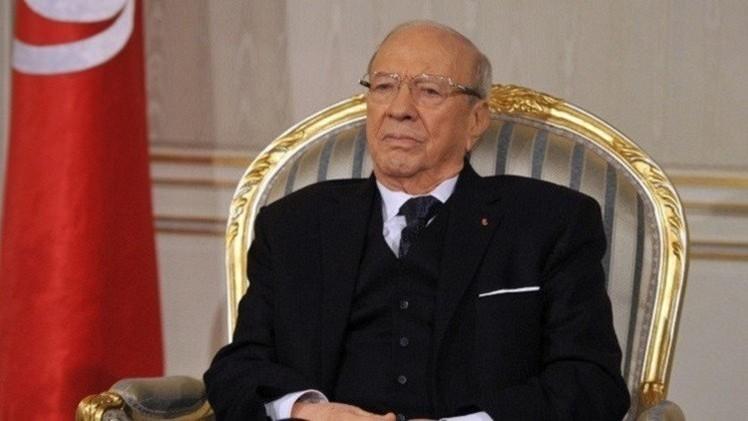 السبسي يناقض وزير خارجيته وينفي الترحيب بعودة السفير السوري إلى تونس