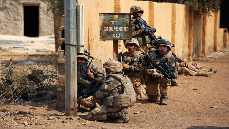 القوات الفرنسية تحرر رهينة هولنديا في مالي (فيديو)