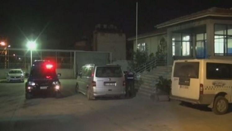 تركيا توقف 12 أجنبيا حاولوا عبور حدودها إلى سوريا