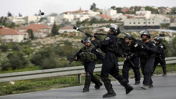 الضفة الغربية.. الجيش الإسرائيلي يقتل فلسطينيا بعد طعنه جنديين (فيديو + صور)