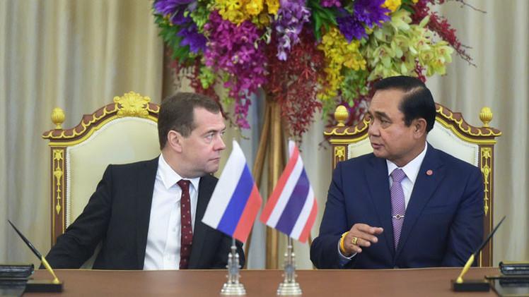 روسيا وتايلاند تدرسان التعامل بالعملتين الوطنيتين