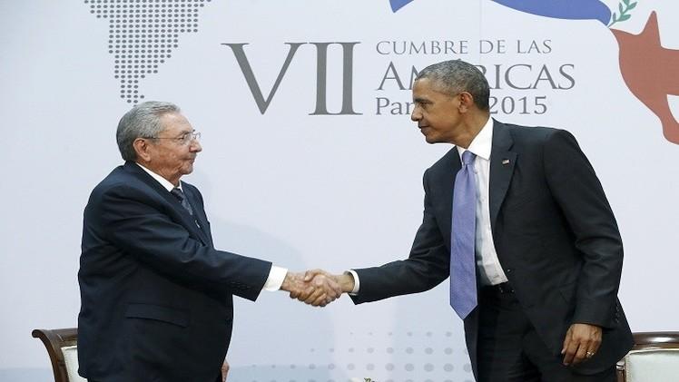 الرئيسان الأمريكي والكوبي يجتمعان لأول مرة منذ نصف قرن