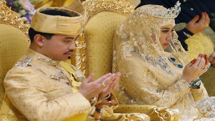 بالصور... ذهب وماس وزمرد في حفل زفاف ملكي أسطوري