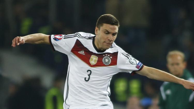 (فيديو) لاعب ألماني يسجل على طريقة ميسي ومارادونا