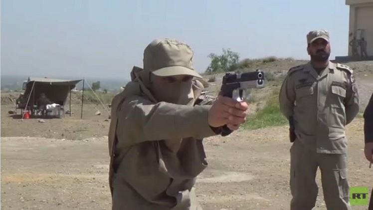 شرطيات أفغانيات يتدربن على التصدي للمجرمين  (فيديو)