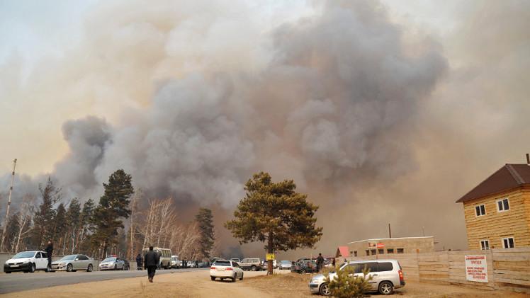 حرائق سيبيريا تلتهم مزيدا من الغابات والمنازل.. وحصيلة الضحايا تتجاوز 30 (فيديو)