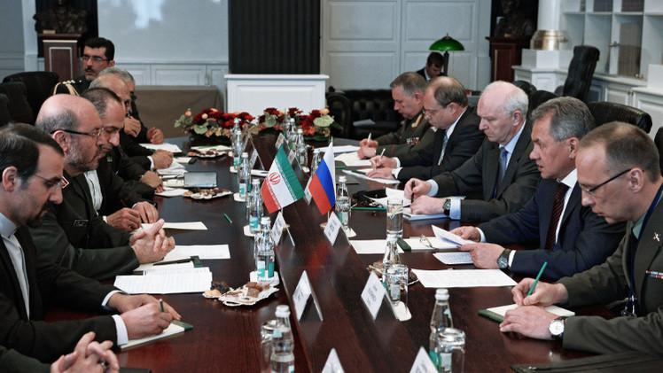 وزير الدفاع الإيراني: اتفقنا مع موسكو على إعداد صفقة
