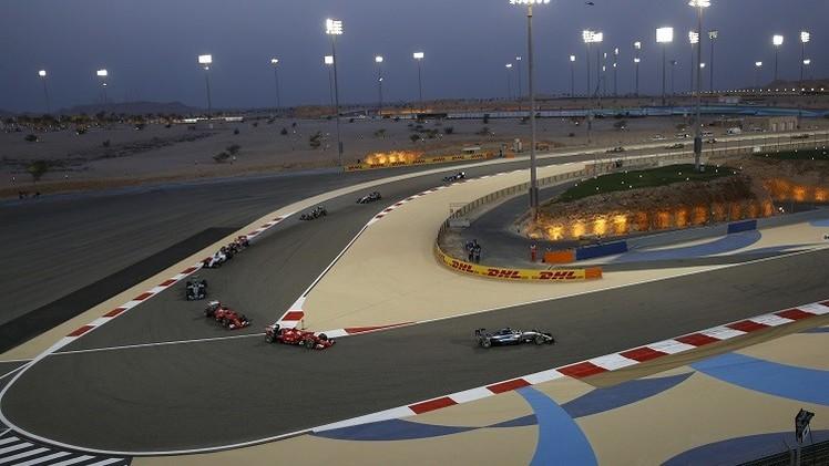 هاميلتون المتألق يتوج بجائزة البحرين للفورمولا-1 .. (صور)